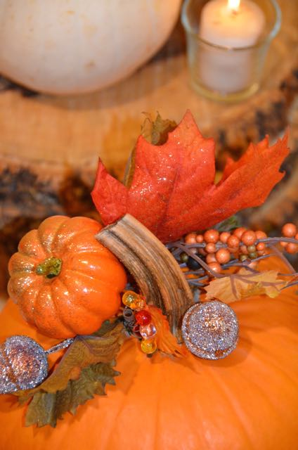 DIY pumpkin Thanksgiving centerpiece in 5 minutes!