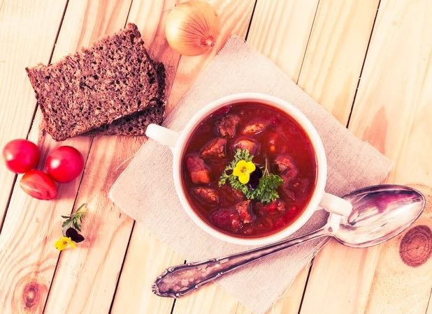 With flowers, you can even make goulash look appetizing