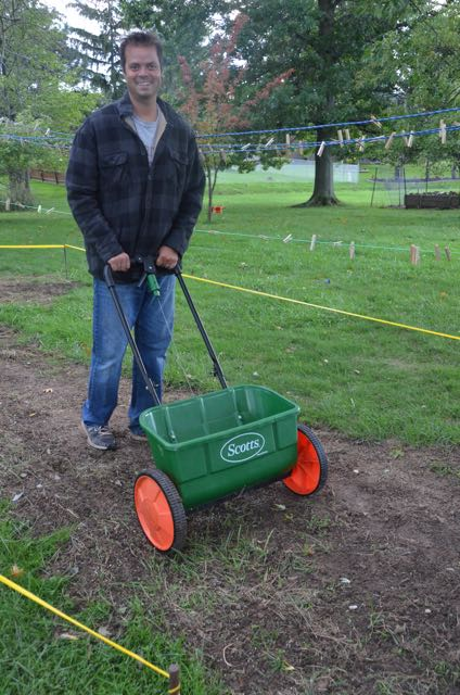 Tom's top 10 grass seed planting tips…lush lawn do's and don'ts!