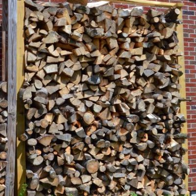 Easy to build DIY log rack to season & store firewood