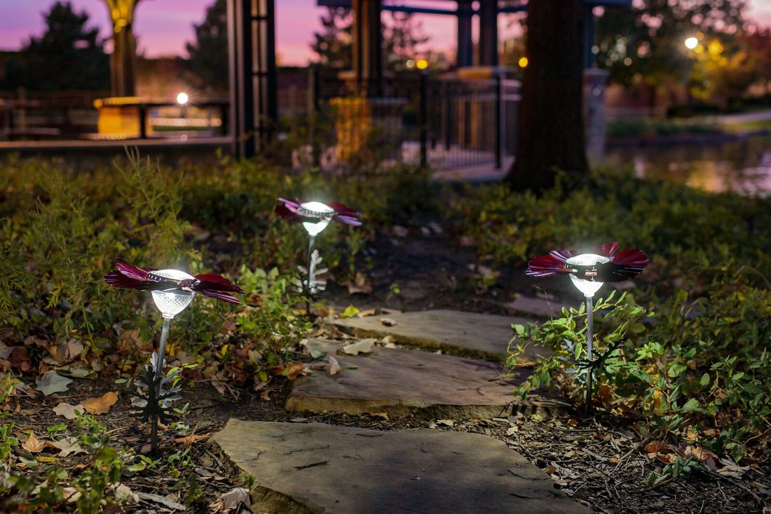 Eye-popping poppy solar garden lights from Desert Steel & $150 giveaway!