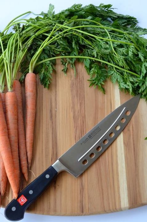 WUSTHOF knife with carrots