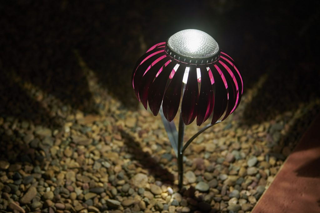 Pink coneflower solar light
